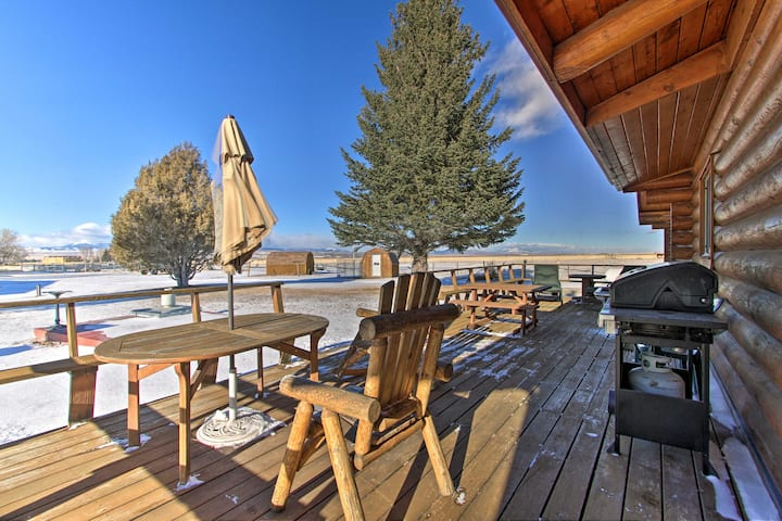 Dillon Log Home w/ Hot Tub by Beaverhead & Hiking!