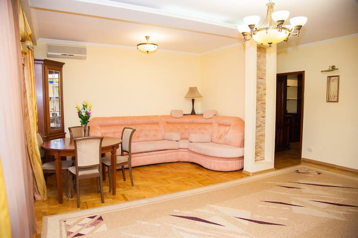 Lux apartment on Lermontova street with fireplace