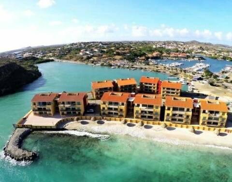 A Premium Resort on the Beach! |Nearby Restaurants