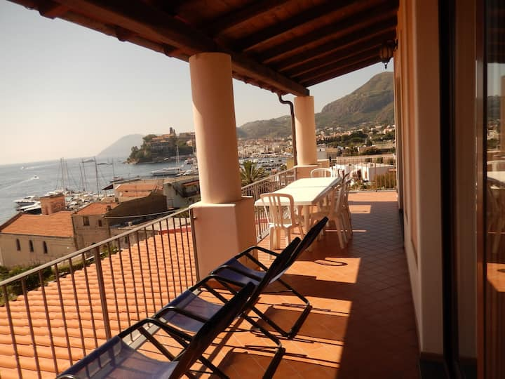 Villa Grazia, frontemare e a 80 mt dalla spiaggia