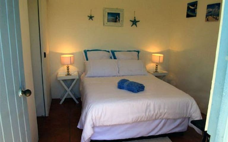One of Pikkie Cottage's double, en suite rooms. We offer 4 rooms.