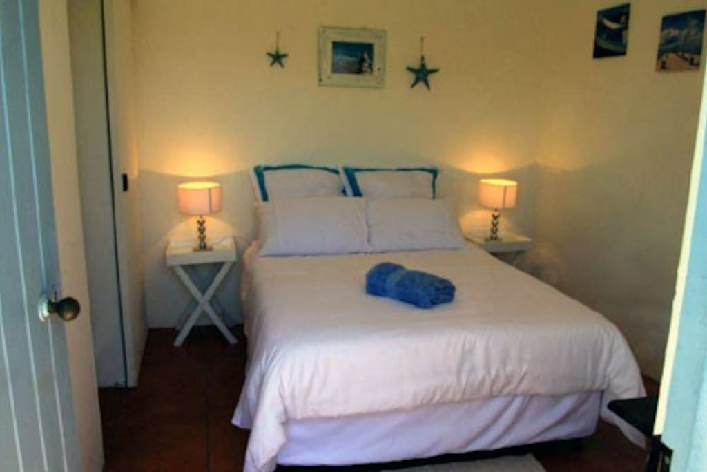 One of Pikkie Cottage's double, en suite rooms. We offer 4 rooms.