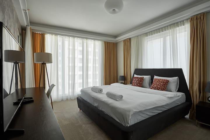 33rd floor luxury apartment fitness & spa