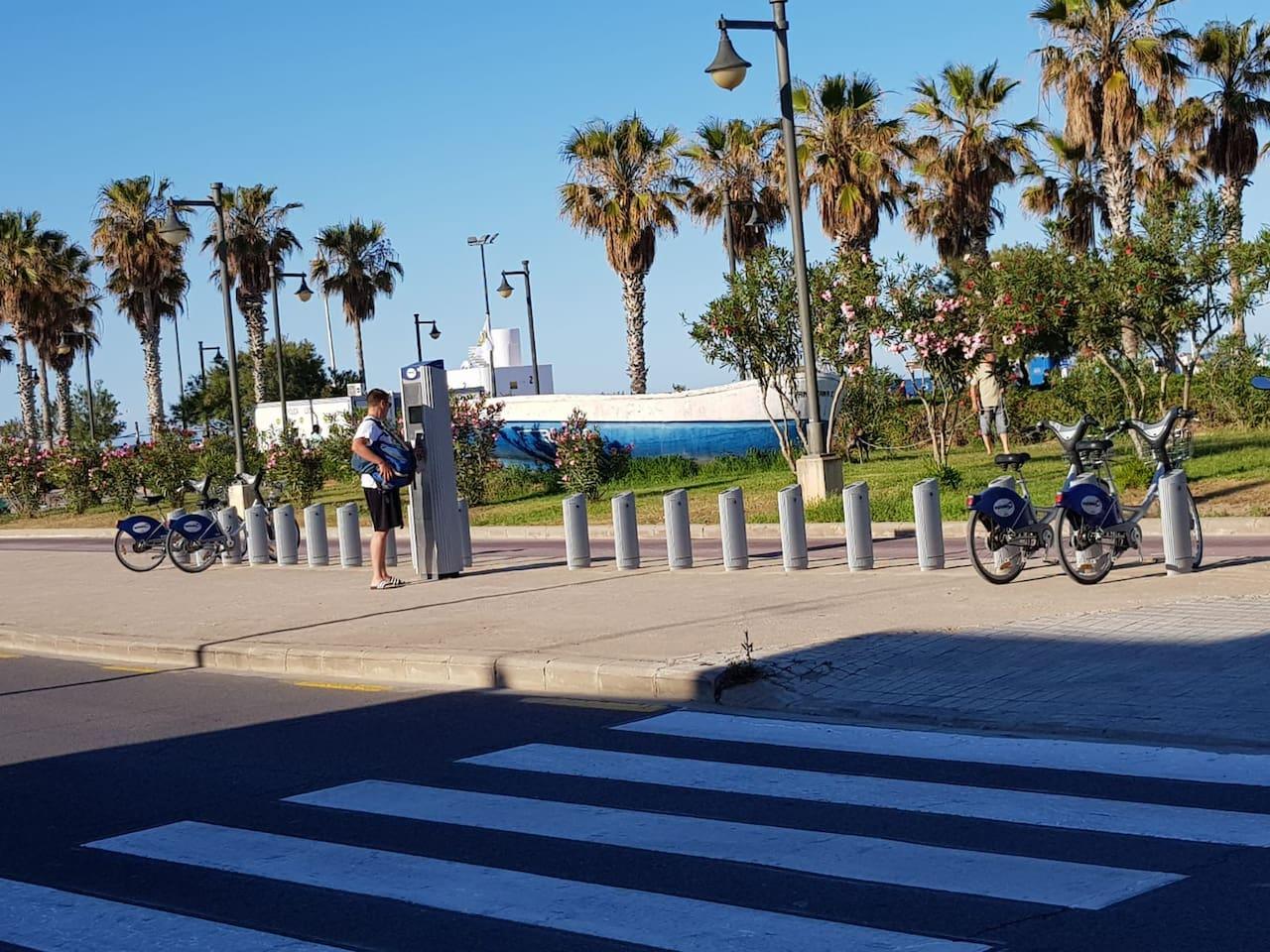 Paseo Marítimo Playa Cabañal Valencia
