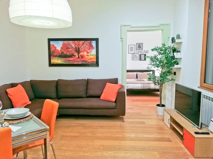 SPACIOUS designer HOME | in vibrant NEW quarter