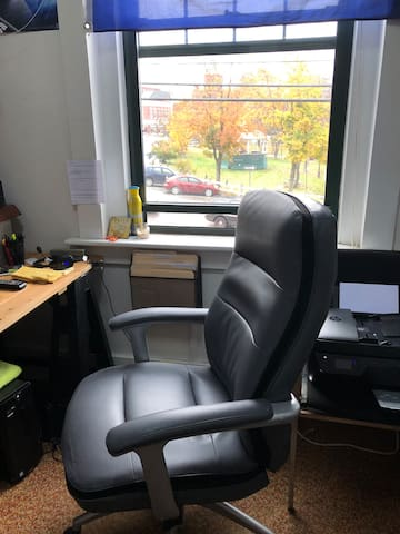 Office Space & Parking Available Downtown Plymouth