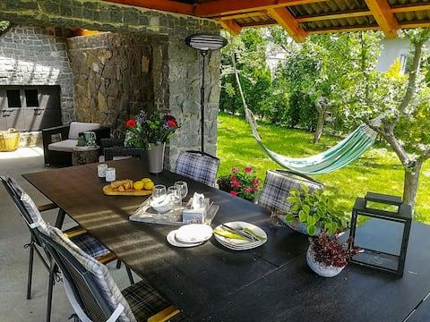 Luxury Villa near Quarry Lake