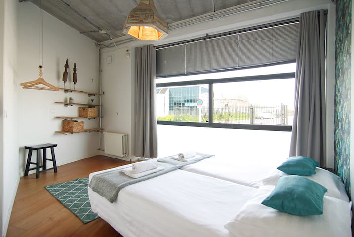 Ground floor room for two close to Amstel river