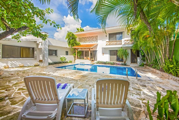 Gran espacio, alberca y confort en Cozumel