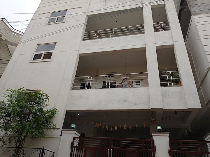 Hygienic & Safe 2BHK in groundfloor karmanghat Hyd