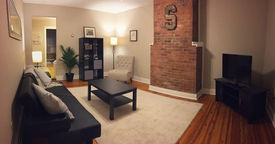 Perfect Saratoga Location - Charming 1 Bedroom Apt