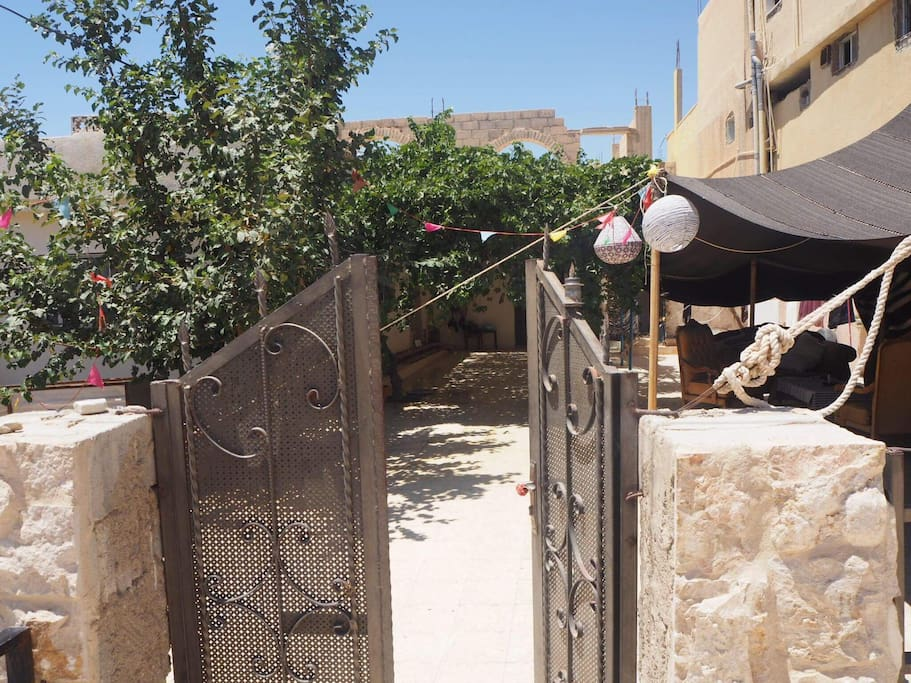 Our entrance and to the right you can see our bedouin tent where you can relax and have a meal.