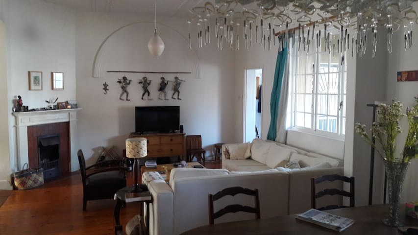 Lovely Victorian house in the heart of Muizenberg. - Cape Town - Ev