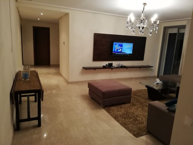 Relax before you fly-Luxury apt. near Casa airport