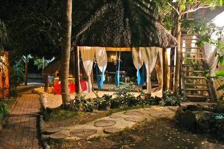 The Ocean Cabin at Amar Inn Bed & Breakfast - Bed & Breakfast