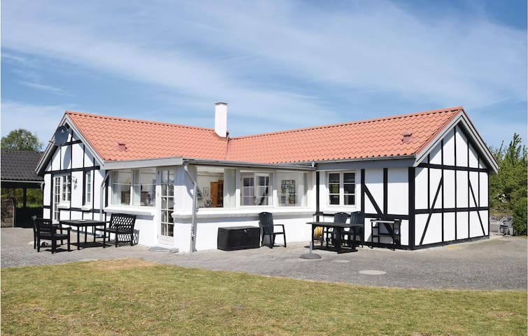 Holiday cottage with 1 bedroom on 110m² in Tranekær