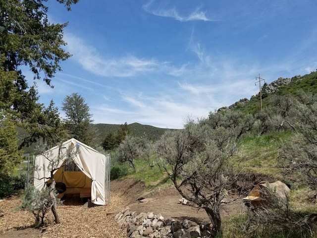 """Junipers Rest""  Tent Cabin - Lava Hot Springs - Tenda"