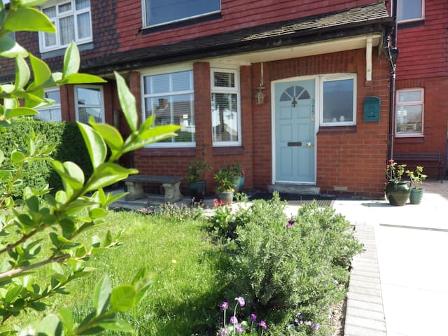 Stylish holiday home 5 minutes from Old Trafford