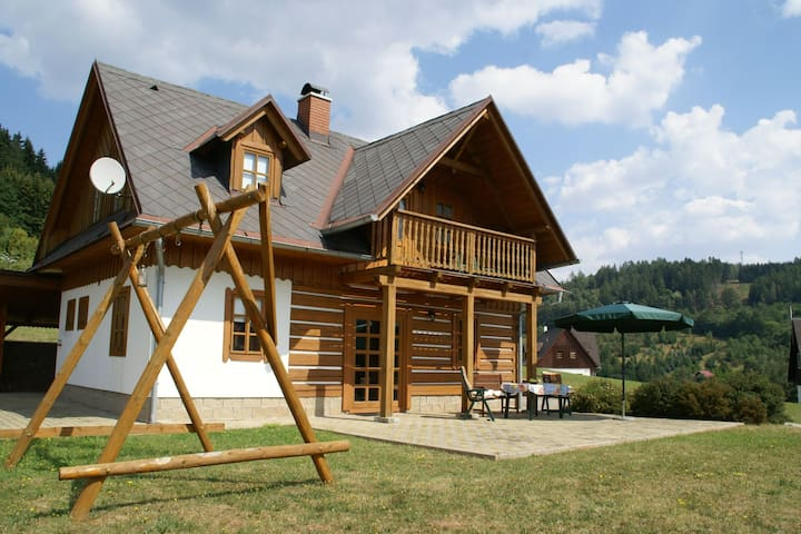 Cosy and comfortable holiday home for summer and winter in the rustic Stupna
