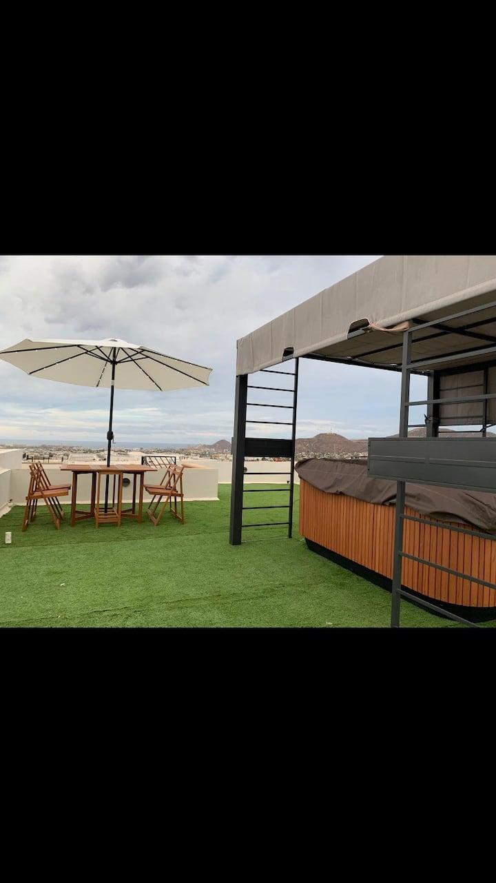 Brand new luxuryus Apartment , jacuzzi Ocean view.