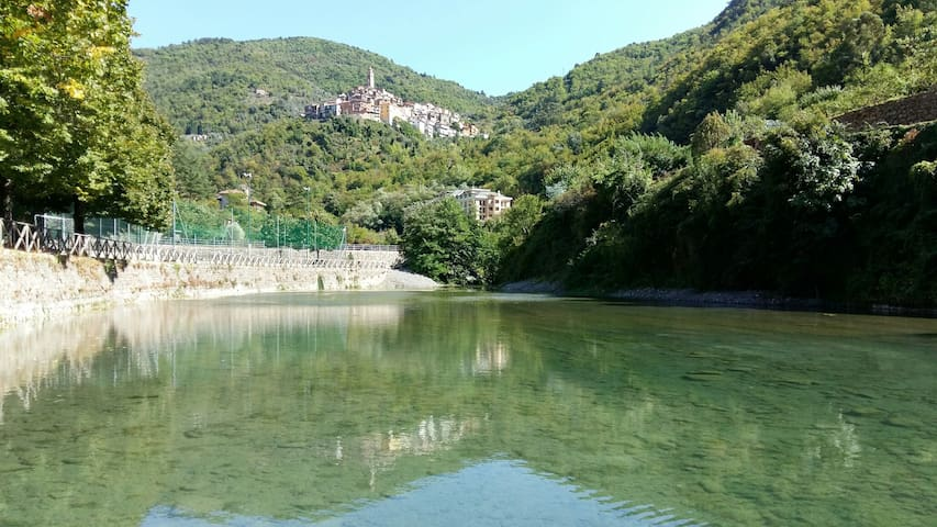 Romantic and quiet studio in Pigna