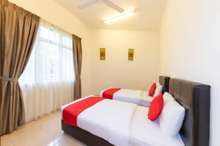 On Sale! Family Suite@ Seri Bayu Resort- Sepang