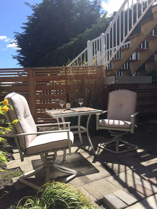 Cosy studio with outdoor patio newly renovated for Cabine in affitto a victoria bc
