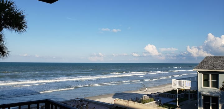 Perfect One Bedroom Location and Fabulous View! - 311