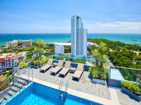 Studio@The Point-2 Top Roof Pools!!!!