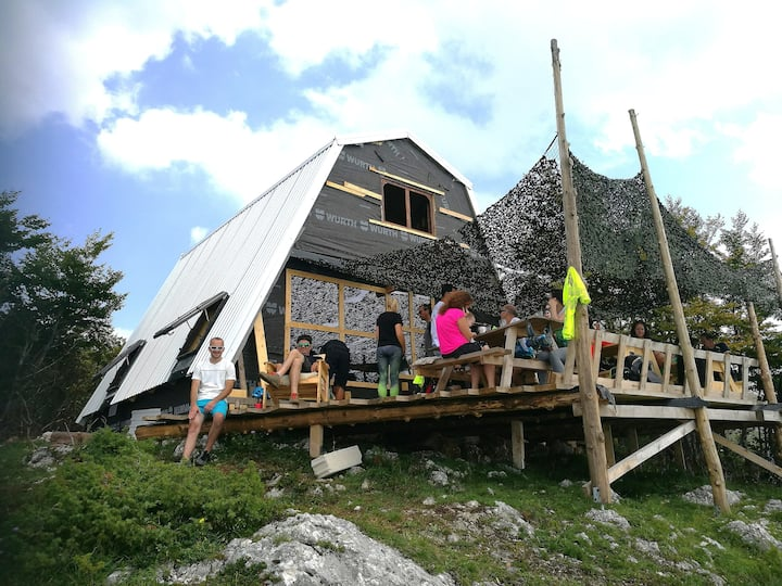 Off-grid mountain lodge overlooking Sarajevo+