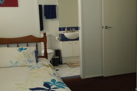 Relax at Redcliffe - Redcliffe - Apartament
