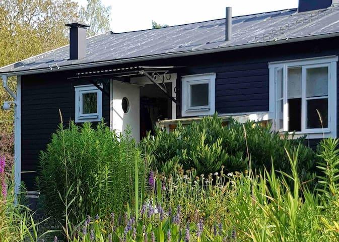 Naturnära fritidshus - mitt i skärgården!