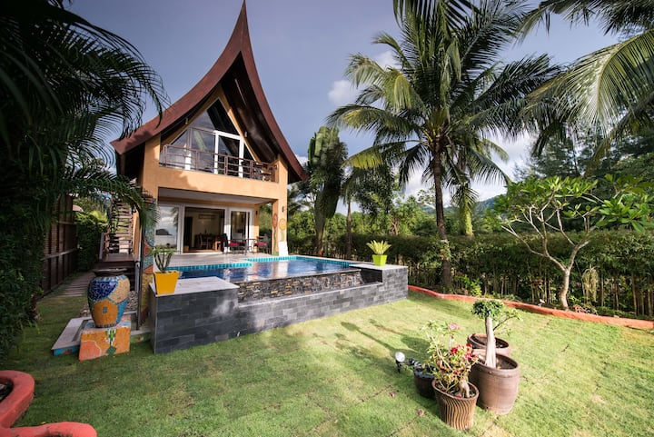 Villa Manipura, beachfront with pool