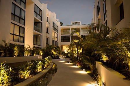 PH deluxe en Anah Suites a pasos de la 5 Av   =) - Playa del Carmen