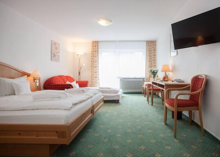 Hotel Hessenhof (Winterberg/Stadt) -, Dreibettzimmer mit kostenfreiem WLAN