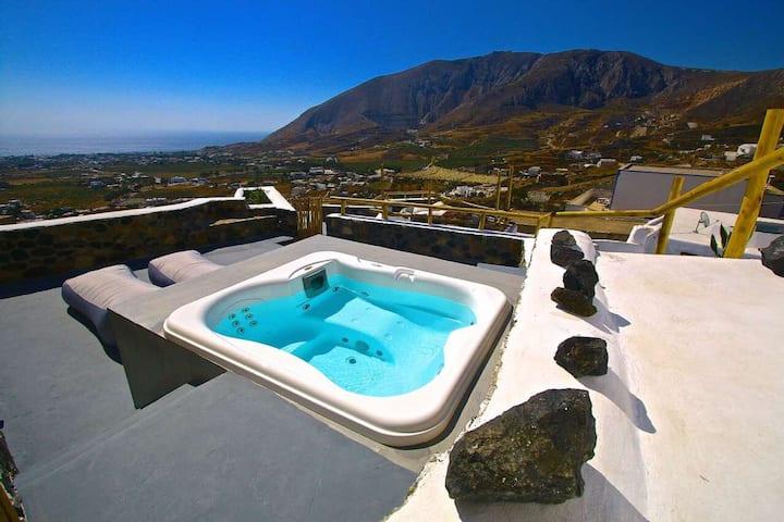 Karpimo & Fertimo Suites, Villa Lithos