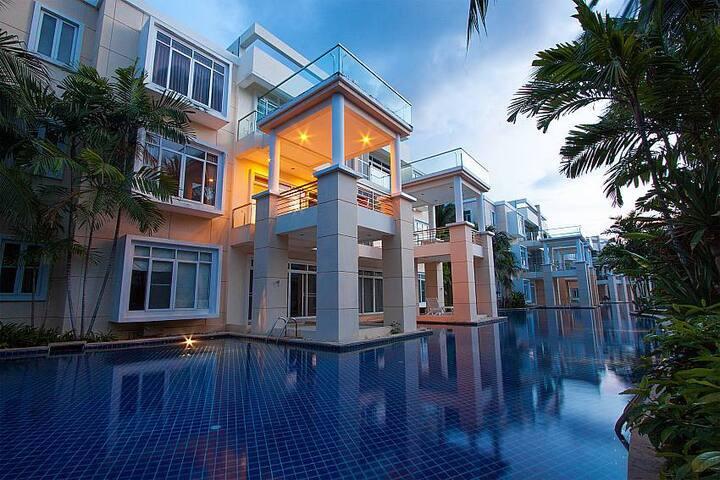4-bedroom self-catering pool villa