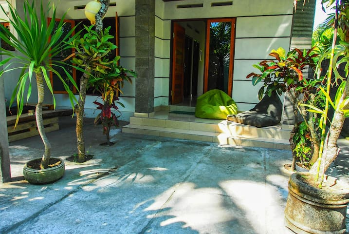 2 BR Holiday House with Kitchen II - Padang - House