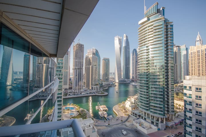 Deluxe Dubai Design Marina apartment, Pool & View