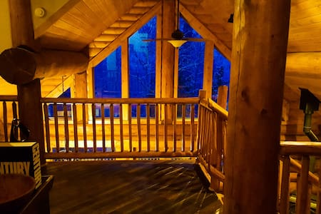 Large 3-floor Cabin outside Breckenridge - Fairplay
