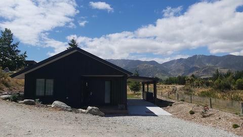Hawea Mountain cottage