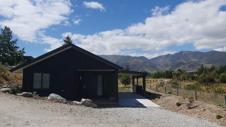 Hawea Mountain cottage
