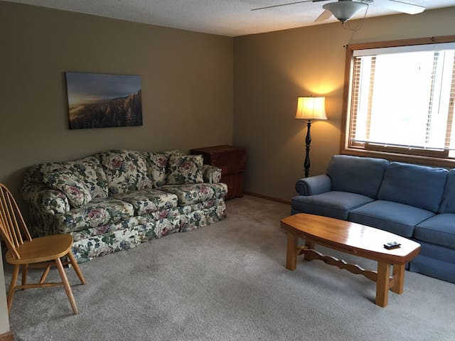 Perfect Apartment for ATV and Snowmobile Groups - Gorham - Apartamento