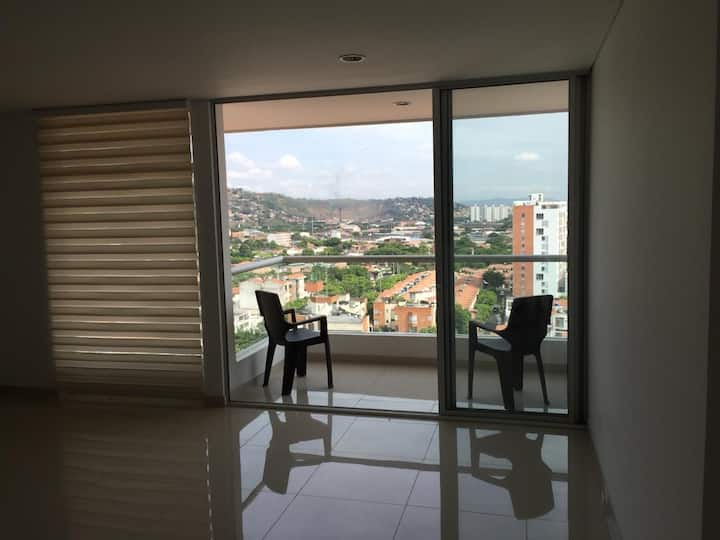 Apartamento muy bien ubicado Piso 12 vista divina
