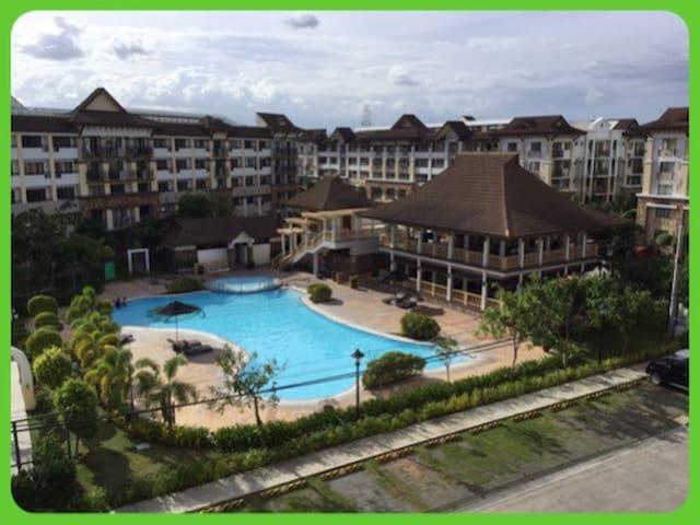Upmarket Condo Resort II (1BR)