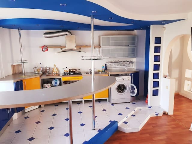 Просторная 3х комнатная квартира в центре Энгельса