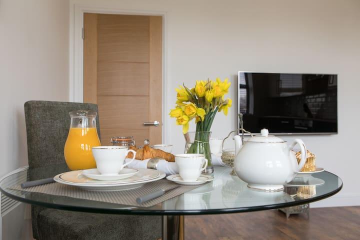 Beautiful 2 Bedrooms Apartment