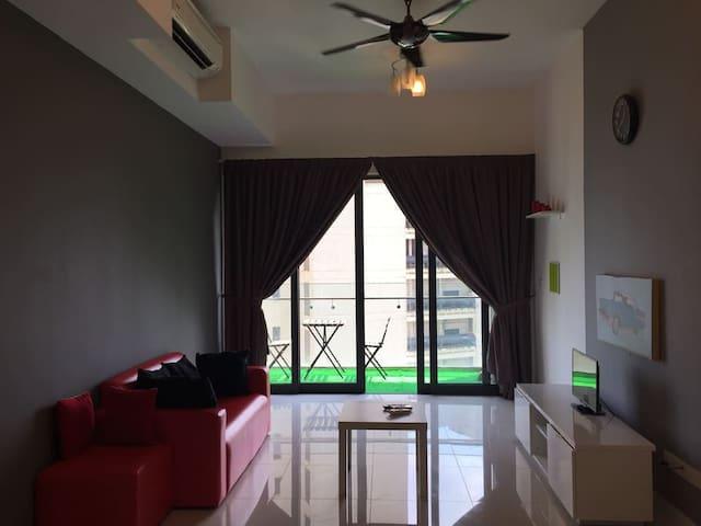 位于吉隆坡市中心高级公寓的。房东通晓中文/广东话/福建话。