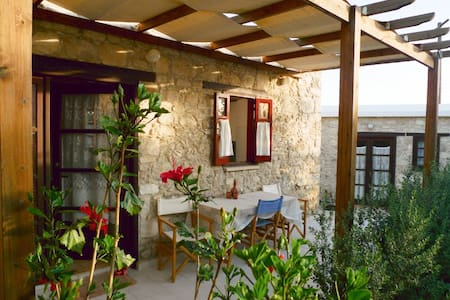 Cosy, Traditional Cypriot house with yard - Mesogi - 一軒家