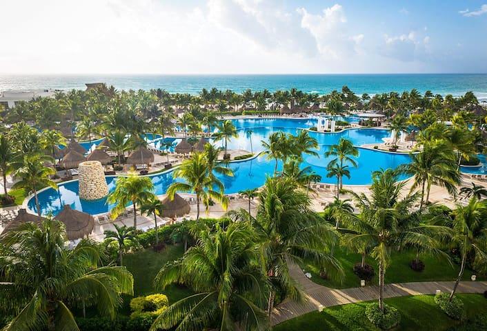 Luxury Accomodations in Riviera Maya.